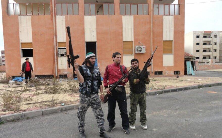 Syria: Powstańcy zdobyli dwie bazy przy irackiej granicy