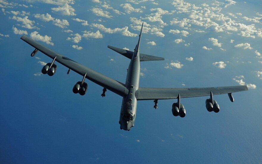 Ядерный бомбардировщик США отработал бомбометание по базе Балтфлота РФ