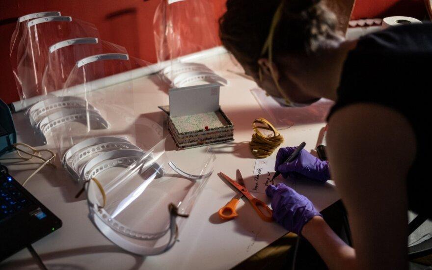 3D spausdintuvu gaminamos apsauginės kaukės