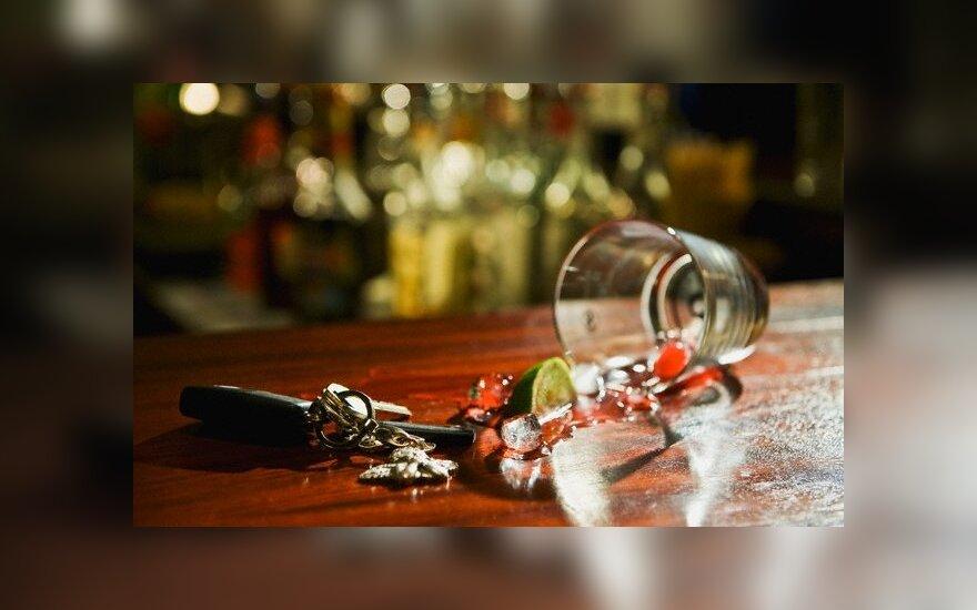 Пьяная водитель спряталась в сундук