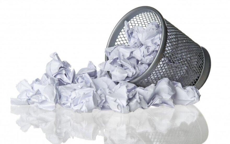 Уборщица выбросила экспонаты выставки, приняв их за мусор