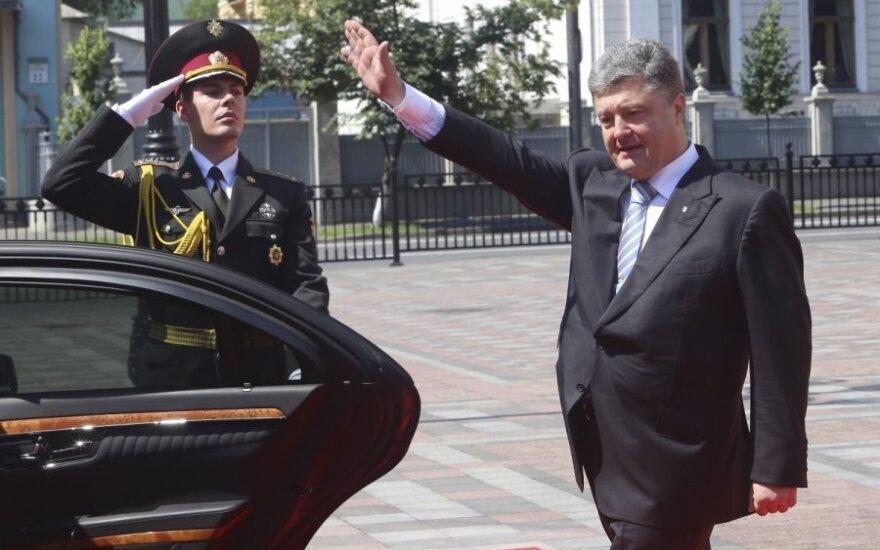 Тарута объяснил, почему в ближайшие две недели Порошенко не сможет посетить Донбасс