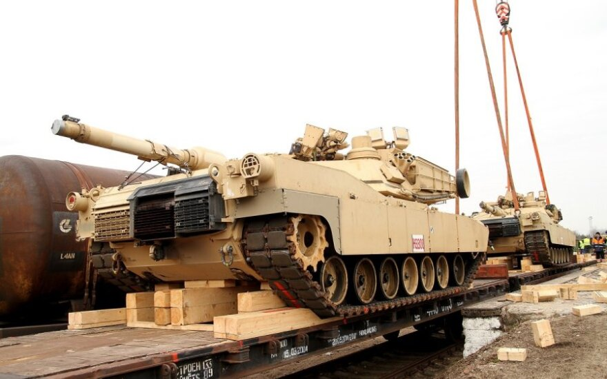 СМИ: размещение военной техники в странах Балтии - хорошая идея
