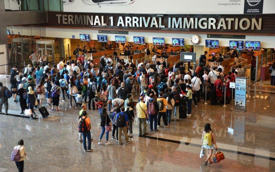 Эксперты: эмиграции могли способствовать неравенство и рост цен
