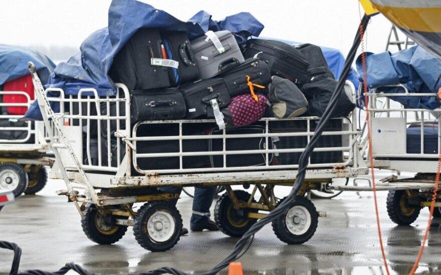 Японская авиакомпания отменила более ста рейсов