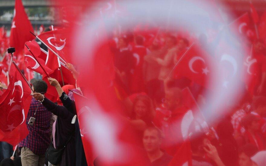 Вице-канцлер ФРГ: У Турции нет шансов в ближайшие 20 лет вступить в ЕС