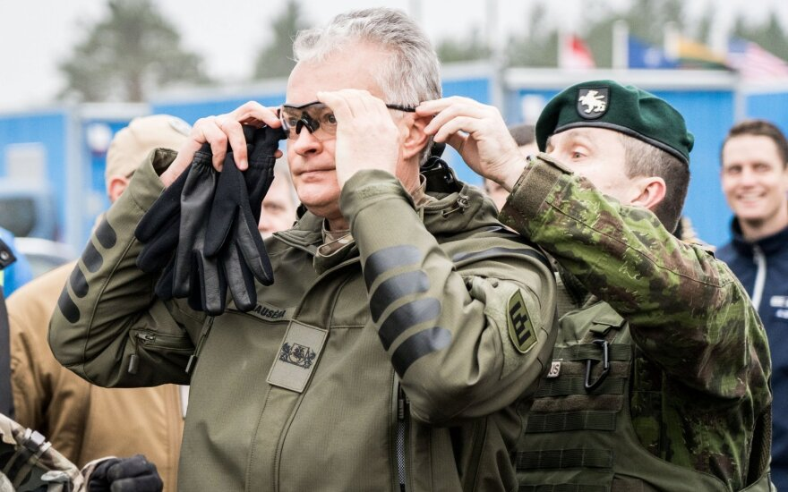 Президент Литвы: НАТО должен назвать Россию угрозой