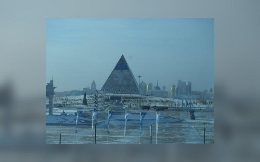 Астана, декабрь 2010 года. Фото Дениса Тарасенко