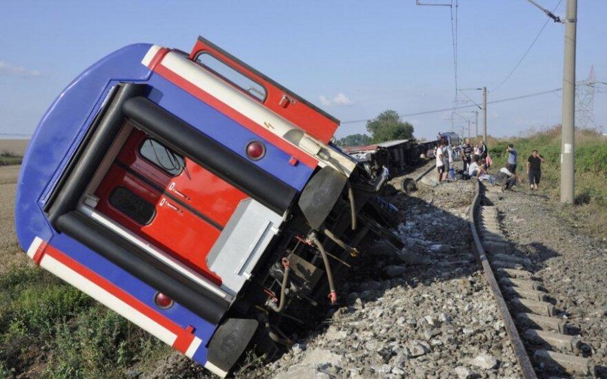 Per tragišką traukinio avariją Turkijoje žuvo 10 žmonių