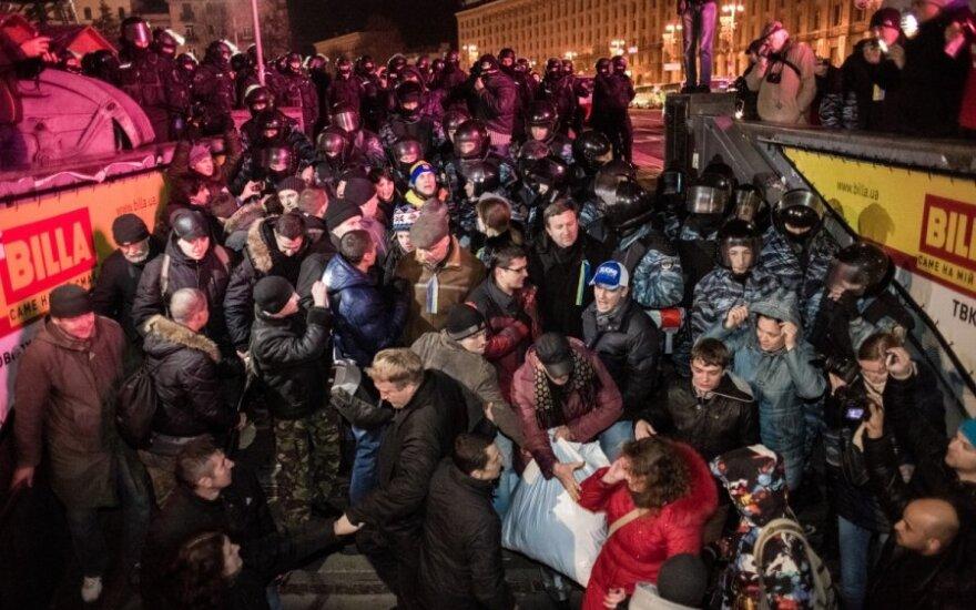 Szef MSZ Szwecji: Janukowycz wydał rozkaz rozpędzenia demonstrantów