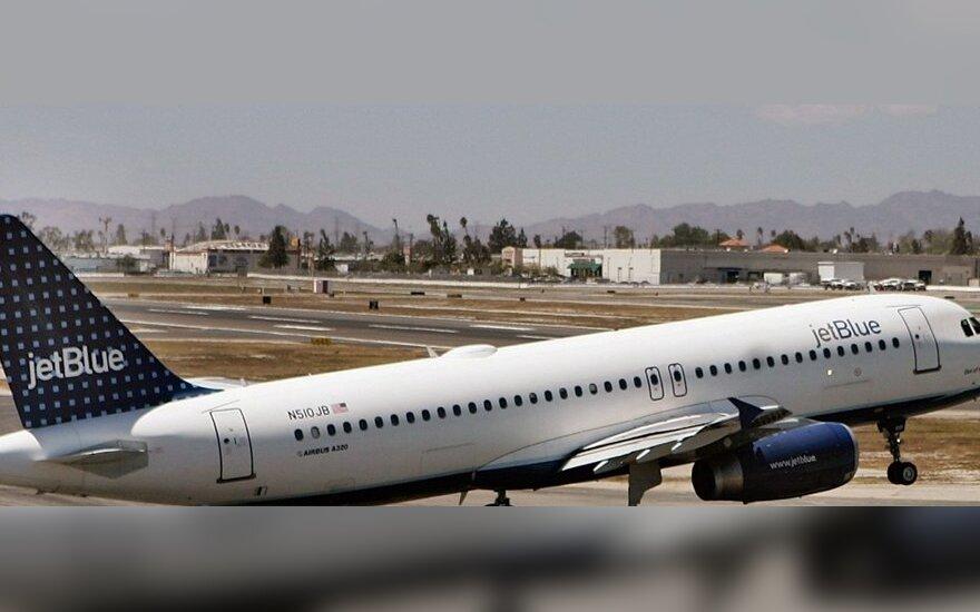 """""""JetBlue"""" priklausantis Airbus A320 orlaivis"""