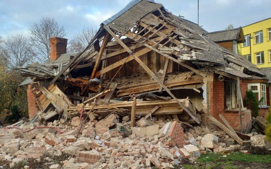 В Жагаре во время взрыва развалился дом