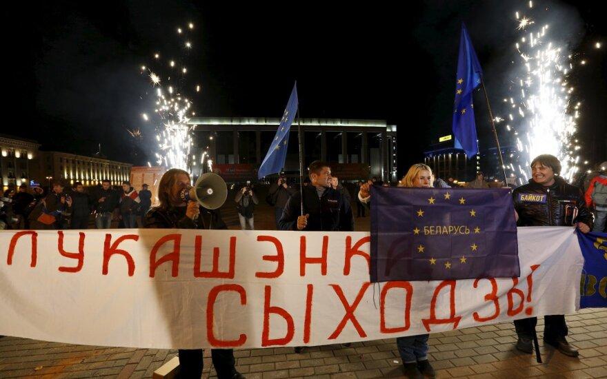 """Больше дешевых вин в Беларуси: """"Лучше напоить, чем ждать протестов"""""""