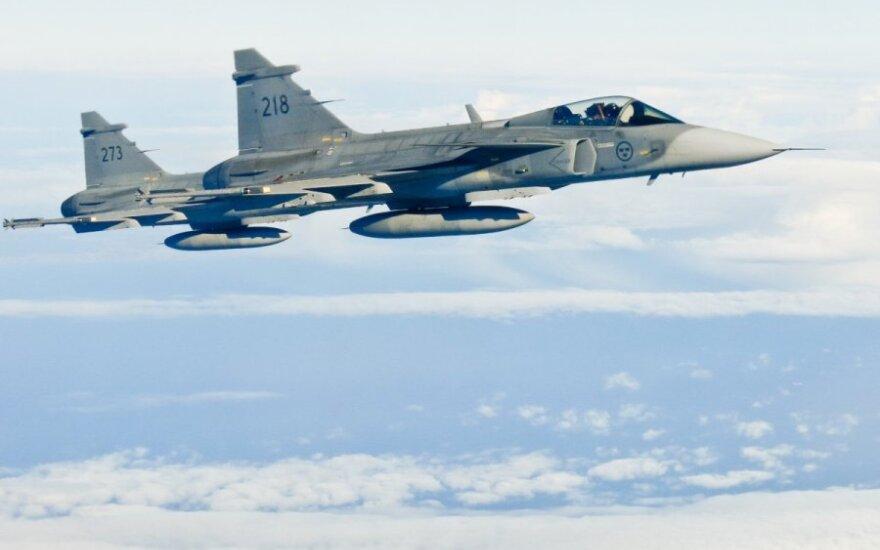 Švedijos karinių oro pajėgų naikintuvai JAS-39 Gripen