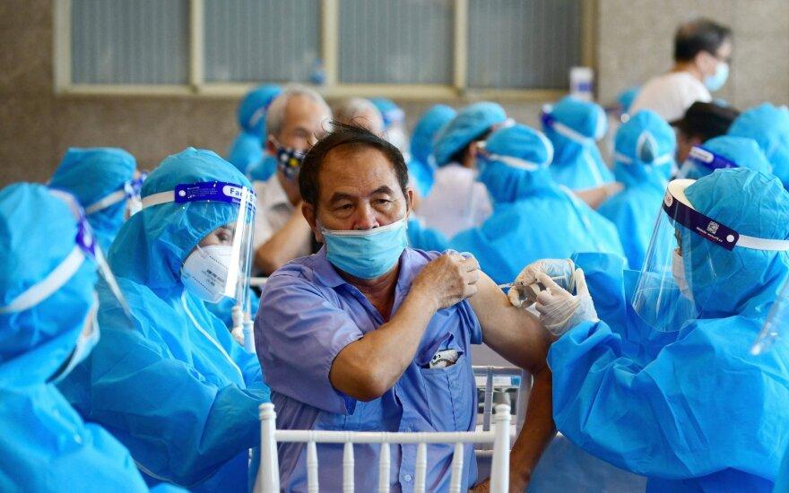 Ложь: вакцинация опасна, а от коронавируса почти никто не умирает