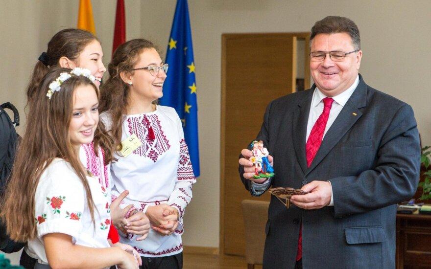 Школьники из Донецкой области в Литве: будем учиться и развивать Украину
