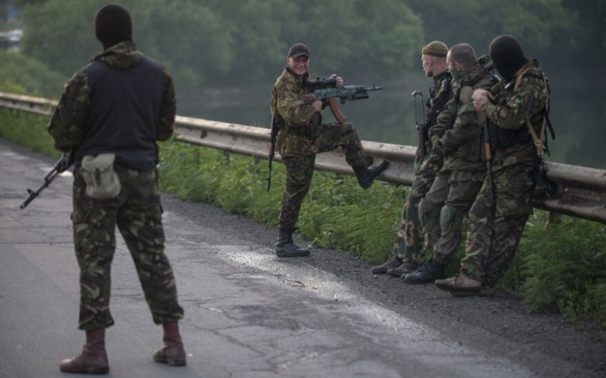 Украина: на Луганщине возобновился бой между силовиками и террористами