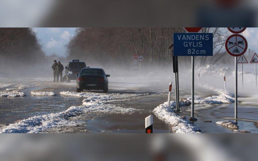 Potvynis tarp Šilutės ir Rusnės (R.Žalgevičiaus nuotr.)