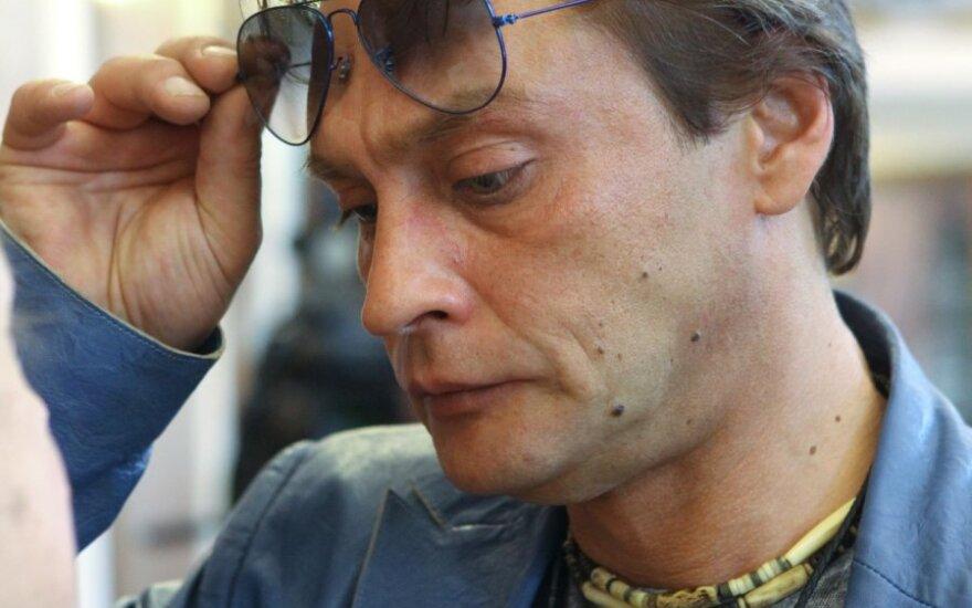 Актер Александр Домогаров завел новую любовницу