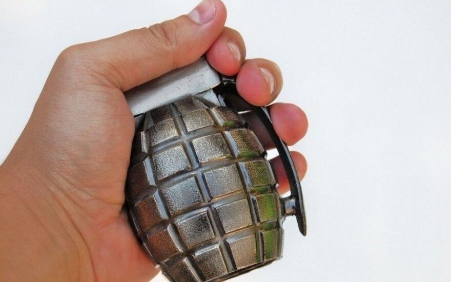 Ukrainiec i Estończyk na dworcu kolejowym w Wilnie próbowali sprzedać granat