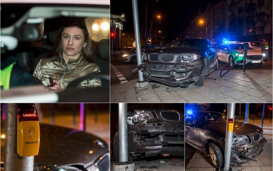 """Нетрезвая """"бывшая спортсменка"""" на BMW снесла светофор и ограждение"""