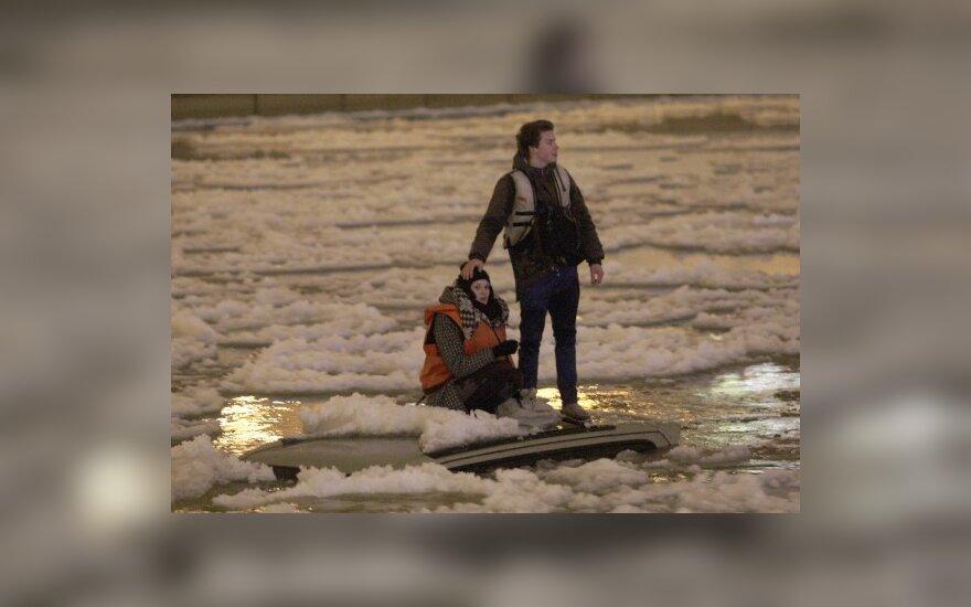 Водитель утонувшего в реке внедорожника сказала, что машина соскользнула с набережной