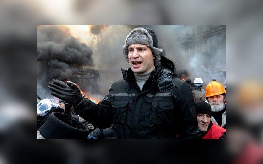Владимира Кличко и его семью спасли с горящей яхты