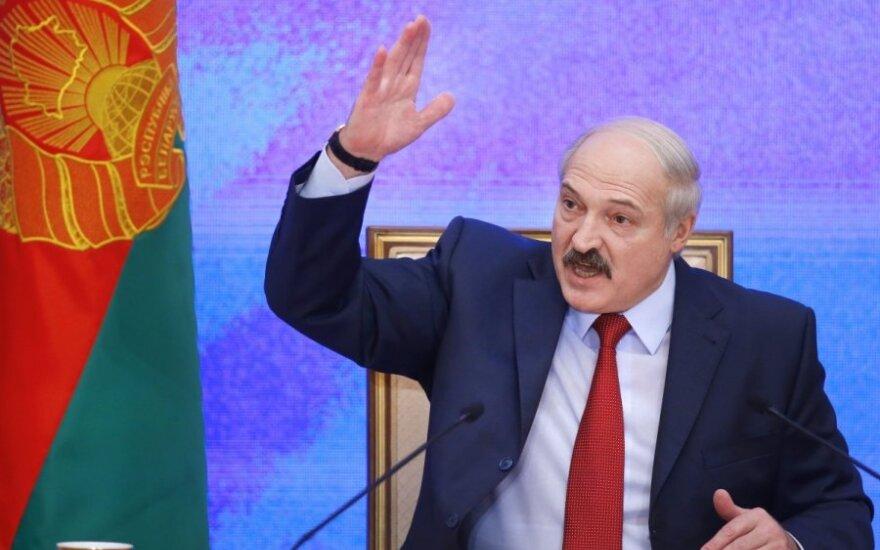 Лукашенко запел по-украински