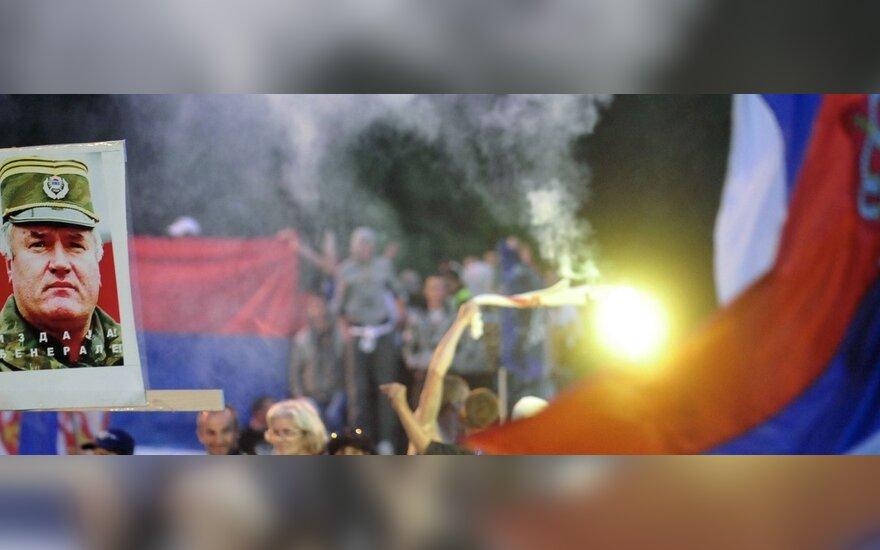 Serbijos nacionalistų protestas prieš Ratko Mladičiaus areštą peraugo į riaušes
