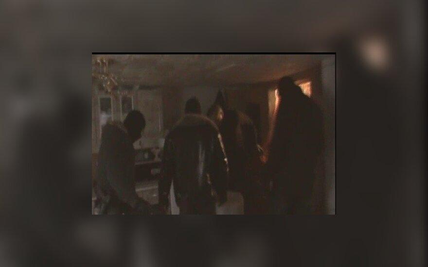 Полиция сняла на видео, что прячут в домах табора