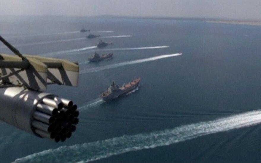 Rusų laivai per pratybas Juodojoje jūroje