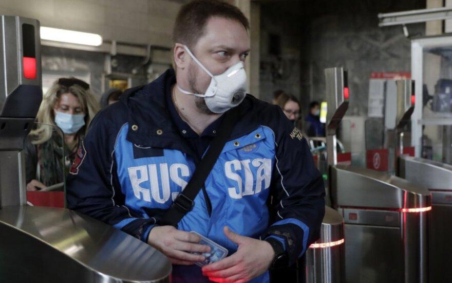 В России число новых случаев коронавируса бьет рекорд третий день подряд