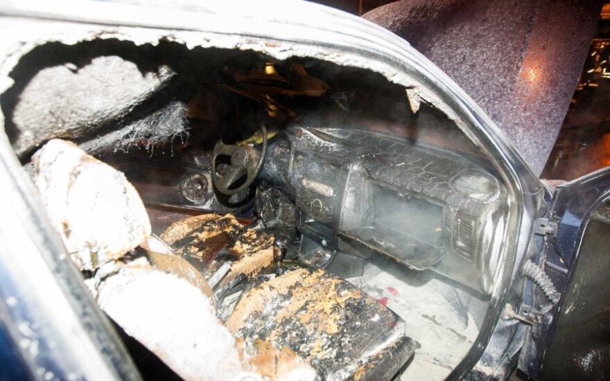 Пьяный вильнюсец поджег свою машину