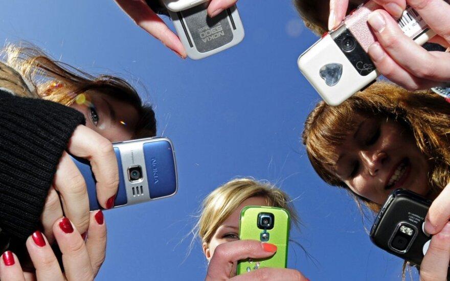Visi tirti telefonai turėjo aplinką nuodijančių medžiagų: švino, gyvsidabrio, bromo, chloro ar kadmio