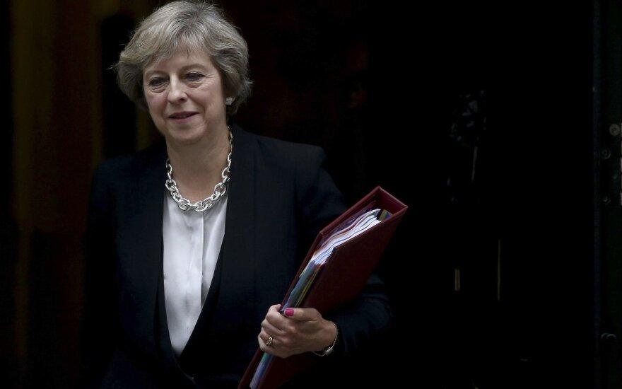 """Пресса Британии: Мэй выпишет ЕС щедрый чек за """"брексит"""""""