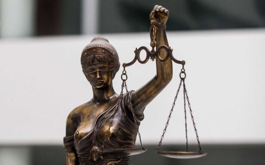 Мариямпольский суд разрешил на три месяца взять под стражу подозреваемого в убийстве