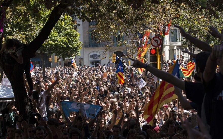 СМИ: в Испании задержали россиянина и украинца по делу о вмешательстве в референдум в Каталонии