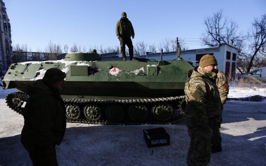 Бои под Донецком: есть жертвы с обеих сторон, население эвакуируют