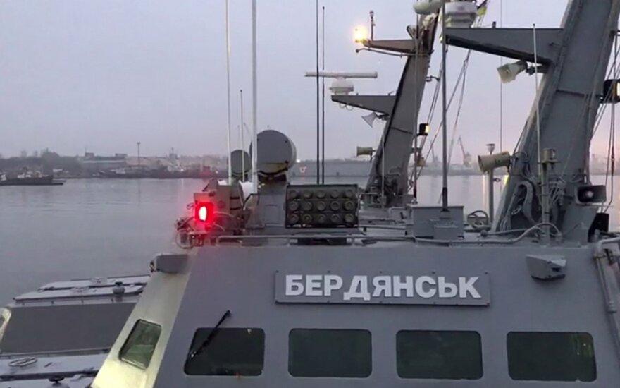 """Ukrainos šarvuotasis kateris """"Berdiansk"""" Kerčės uoste"""