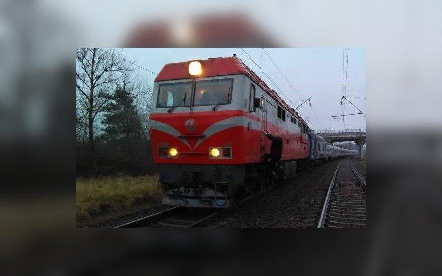 В Кайшядорском районе поезд сбил молодого человека