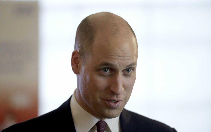 """Принц Уильям побрил голову """"под ноль"""""""