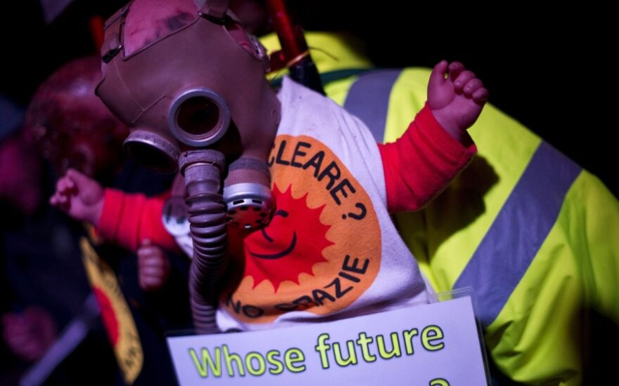 В Германии полиция применила против протестующих экологов газ и водометы
