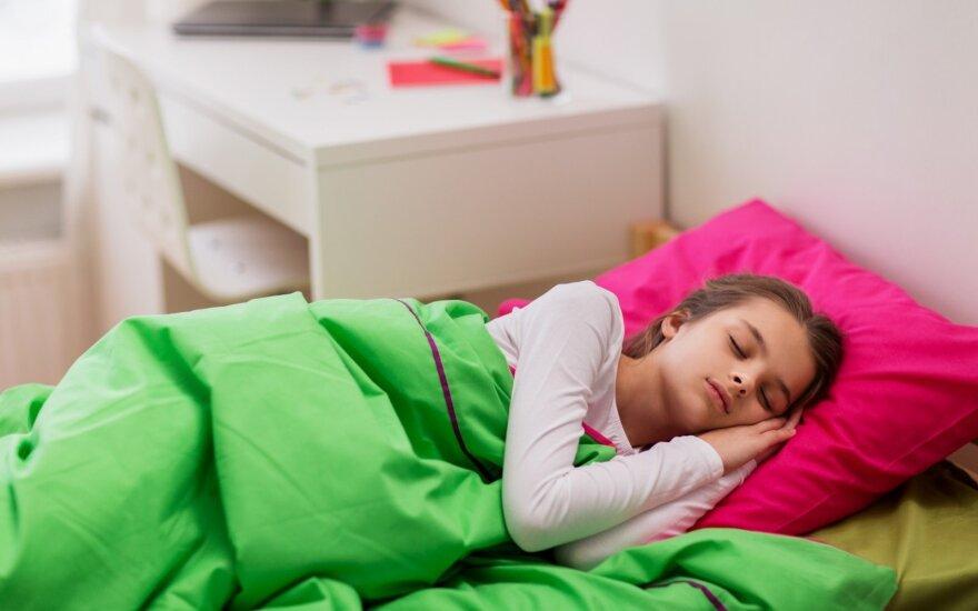 Генетики объяснили невозможность заснуть рано