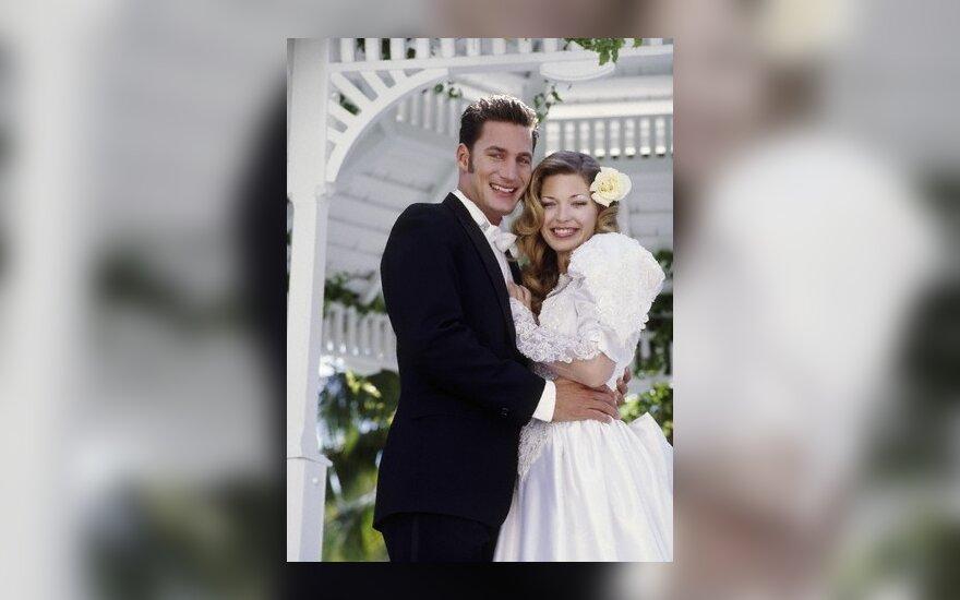 Британская пара сочеталась браком 85 раз