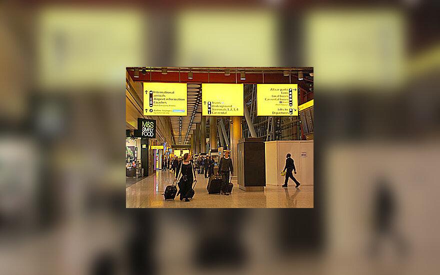 Hytrou oro uostas, bagažas, keleiviai