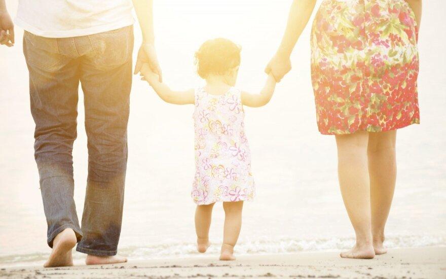 В ЕС принят закон о праве на отпуск по уходу за ребенком