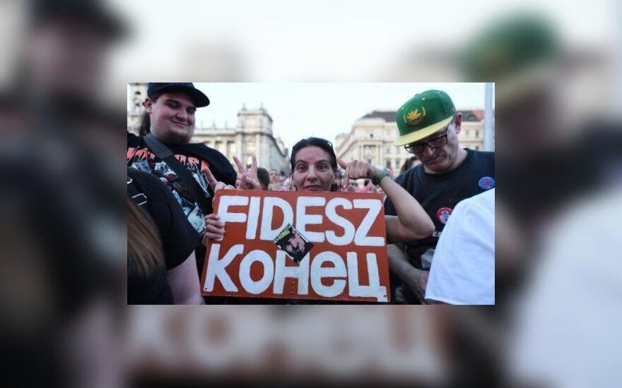 ФОТО: В Будапеште прошли протесты против Виктора Орбана