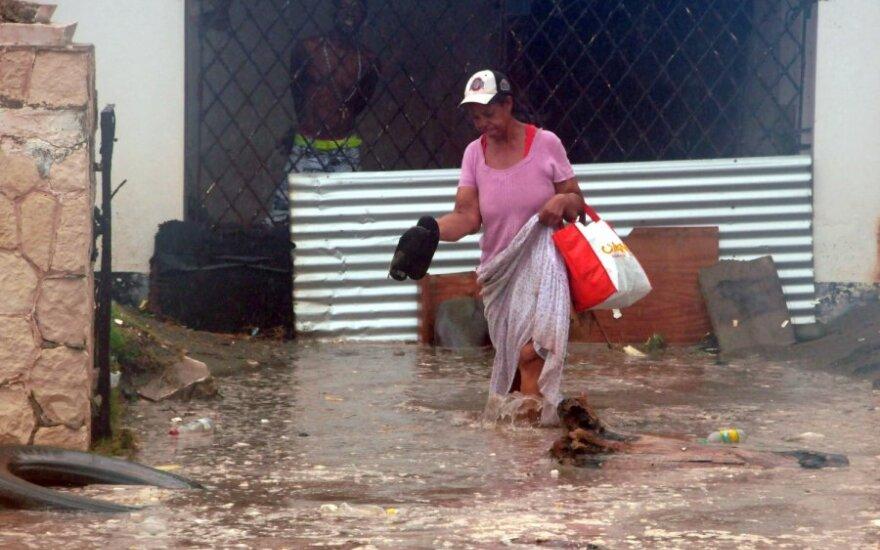 """Число жертв урагана """"Сэнди"""" достигло 21 человека"""