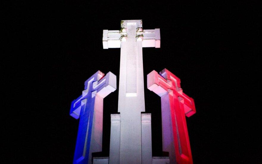 Три креста в Вильнюсе окрасятся в цвета флага Франции