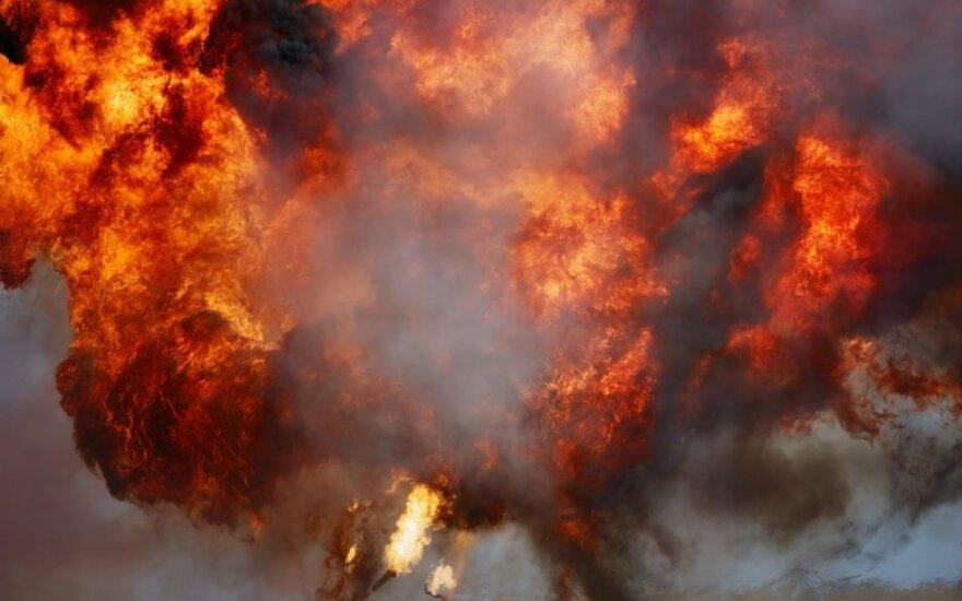Rosja: Pod Orienburgiem płoną magazyny z amunicją